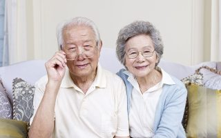 Στην Ιαπωνία, εκτιμάται ότι έως το 2025 οι άνθρωποι άνω των 65 θα απαρτίζουν το ένα τρίτο του πληθυσμού.