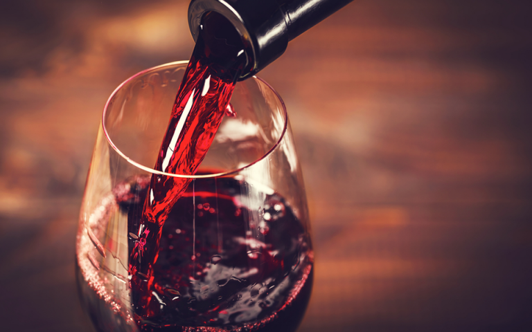 Ερευνα: Ενα ποτήρι κόκκινο κρασί ισούται με μια ώρα στο γυμναστήριο