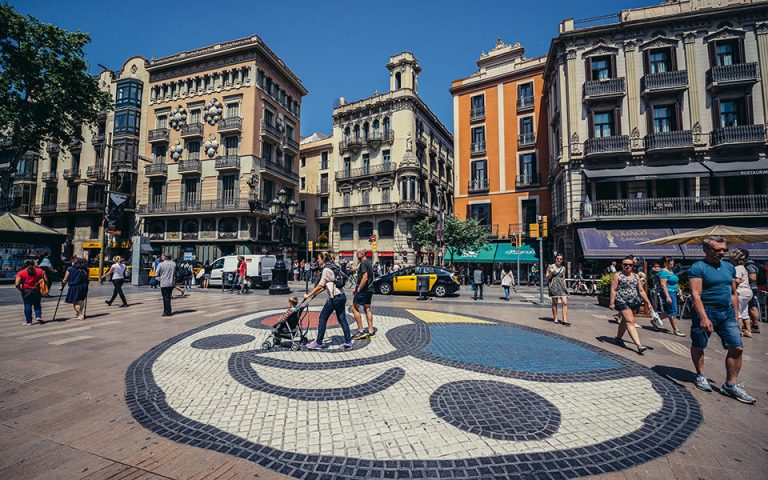 Κάτοικοι της Βαρκελώνης κάνουν μόνοι τους περιπολίες κατά της εγκληματικότητας