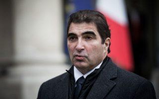 Επικρατέστερος για την ηγεσία θεωρείται ο πρώην υπουργός του Σαρκοζί, Κριστιάν Ζακόμπ.