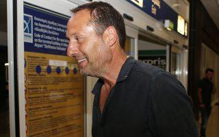 Ο Φαν Σιπ (φωτ.) θα έχει συνεργάτες στον πάγκο της Εθνικής τον συμπατριώτη του Αρον Βίντερ και τον Ελληνοαυστραλό Μιχάλη Βαλκάνη. INTIME NEWS