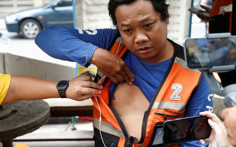Εξι βόμβες μικρής ισχύος εξερράγησαν στη Μπανγκόκ – Δύο τραυματίες