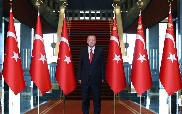 Ερντογάν: Η Τουρκία πολιορκείται από τους γείτονές της