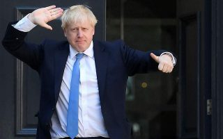 mporis-tzonson-brexit-me-kathe-kostos0