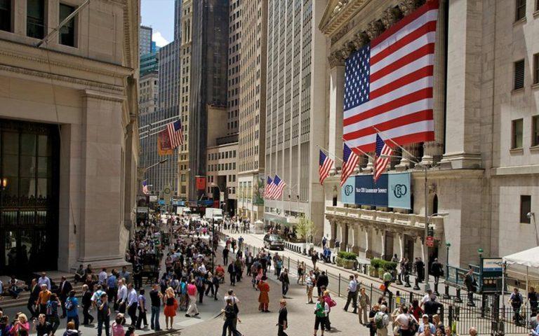 Ισχυρές απώλειες στη Wall Street λόγω εμπορικού πολέμου ΗΠΑ – Κίνας