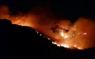 A wildfire burns in this still image obtained from social media video between Juncalillo and Pinos de Galdar, on Gran Canaria, Canary Islands, Spain in the early hours of August 11, 2019. Carla Rodriguez via REUTERS ATTENTION EDITORS - THIS IMAGE HAS BEEN SUPPLIED BY A THIRD PARTY. MANDATORY CREDIT. NO RESALES. NO ARCHIVES.