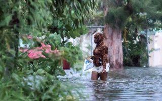 Χιλιάδες σπίτια πλημμύρισαν ή ακόμα και καταστράφηκαν ολοσχερώς εξαιτίας του περάσματος του «Ντόριαν» από τις Μπαχάμες.