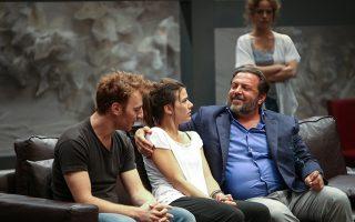 «Στέλλα, κοιμήσου», σε σκηνοθεσία Γιάννη Οικονομίδη, στο Αλσος Νέας Σμύρνης.