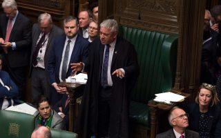 O πρόεδρος του βρετανικού Κοινοβουλίου Τζον Μπέρκοου ανακοίνωσε την παραίτησή του – ένα επιπλέον πλήγμα για τον Μπόρις Τζόνσον. EPA/MARK DUFFY