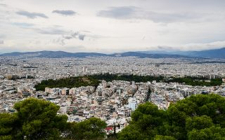 Το ετήσιο έσοδο που έχει η Εταιρεία Αξιοποίησης Ακινήτων Δημοσίου (ΕΤΑΔ) από κάθε ακίνητο που διαχειρίζεται δεν ξεπερνά το μηνιαίο ενοίκιο μιας κατοικίας 100 τ.μ. στο κέντρο της Αθήνας.