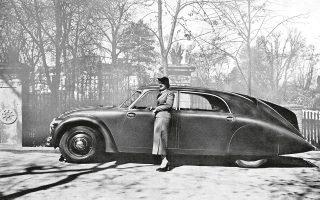 Γαλλική διαφήμιση του 1934 για το Tatra 77 του Πολ Ζαρέι. Αυτοκίνητο επηρεασμένο από τα σχέδια των Ζέπελιν.