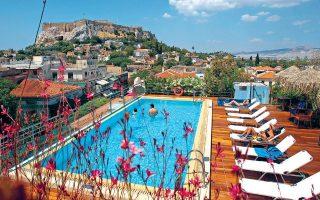 Οι περισσότερες εταιρείες του κλάδου στρέφονται σε επενδύσεις στον ξενοδοχειακό κλάδο λόγω της μεγάλης αύξησης του τουριστικού ρεύματος.