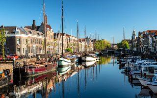 Το Delfshaven είναι από τις λίγες περιοχές του Ρότερνταμ που γλίτωσαν από τους βομβαρδισμούς του Β΄ Παγκοσμίου Πολέμου. (Φωτογραφία: Getty Images/Ideal Image)