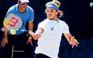 tenis-enas-koykos-den-fernei-tin-anoixi-2337217