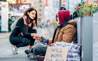 Τόσο στο Σαν Φρανσίσκο όσο και στο Λος Αντζελες, ο αριθμός των αστέγων αυξάνεται ταχύτατα τα τελευταία χρόνια και μία από τις βασικές αιτίες είναι η μεγάλη αύξηση των ενοικίων.