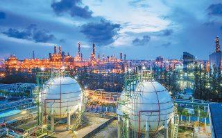 Η Rosneft PJSC σκοπεύει να προχωρήσει στην κατασκευή τερματικού σταθμού για τη μεταφορά υγροποιημένου φυσικού αερίου στο ανατολικό λιμάνι Ντε-Κάστρι.