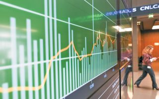 O τζίρος δείχνει ότι οι επενδυτές τηρούν στάση αναμονής, με το Χ.Α. να κινείται στο τέμπο των διεθνών αγορών.