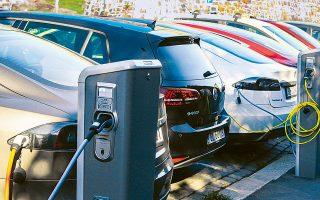 Σε Δανία και Κίνα μέσω κρατικών επιδοτήσεων παρέχονται κίνητρα για την απόκτηση ηλεκτρικού οχήματος.