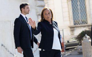 Η νέα υπουργός Εσωτερικών της Ιταλίας, Λουτσιάνα Λαμορτζέζε, είναι η αντι-Σαλβίνι σε μια κυβέρνηση που δημιουργήθηκε ακριβώς ως απάντηση στον επικεφαλής της Λέγκας.