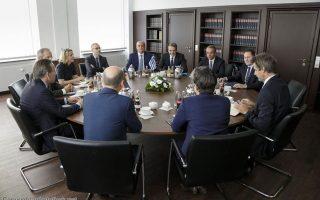 Γερμανικές κυβερνητικές πηγές αναφέρουν στην «Κ» ότι ο κ. Μητσοτάκης μίλησε αναλυτικά για τα σχέδιά του για την αναμόρφωση της ελληνικής οικονομίας (φωτ. από τη συνάντηση με τον υπουργό Οικονομικών Ολαφ Σολτς).