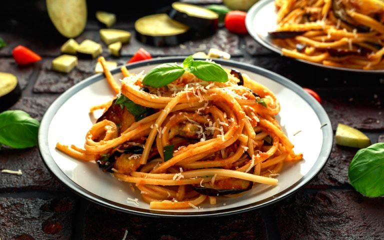 pasta-me-melitzanes-2335952