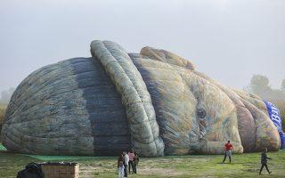 Λάθος καιρός. Δεν τα κατάφερε ο Βαν Γκονγκ να δει την Coruche στην Πορτογαλία από ψηλά. Ο καιρός δεν βοήθησε και τα 20 μεγάλα αερόστατα από διάφορα σημεία του κόσμου που βρέθηκαν στην περιοχή με αφορμή το «Flutuar - III Coruche Ballooning Festival»  δεν ανέβηκαν στον ουρανό.  EPA/MIGUEL A. LOPES