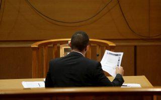 Από την αρχή της απολογίας του, η οποία δεν ξεπέρασε τις 2,5 ώρες, ο Ηλίας Κασιδιάρης μίλησε για «κατασκευασμένη δίωξη από πολιτικούς κύκλους».