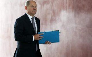 Ο υπ. Οικονομικών Ολαφ Σολτς προέβλεψε πως η οικονομία θα ανακάμψει στο τέλος του έτους.