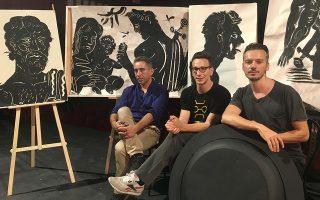 O ζωγράφος Απόστολος Χαντζαράς, ο ηθοποιός Μιχάλης Σαράντης και ο σκηνοθέτης Γιώργος Νανούρης συμπράττουν στον «Αίαντα» του Σοφοκλή. «Εχουμε γίνει και οι τρεις ένα σώμα», λένε στην «Κ».
