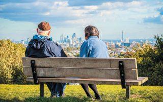 Με τις επικρατούσες τάσεις, οι άνθρωποι που ζουν στη Βρετανία θα χρειαστούν περισσότερα από δώδεκα χρόνια για να κερδίσουν ένα επιπλέον έτος ζωής. SHUTTERSTOCK