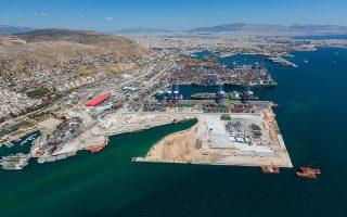 Τον Αύγουστο του 2018, επιτροπή της Περιφέρειας Αττικής είχε απορρίψει αίτημα του ΟΛΠ να αναπτύξει ναυπηγοεπισκευαστικές δραστηριότητες, και η διοικητική αυτή απόφαση εξετάζεται τώρα από το ΣτΕ.
