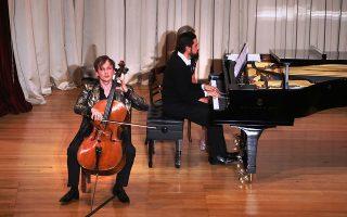 Στον κόσμο της μουσικής των Μέντελσον και Σοστακόβιτς καταδύθηκαν με επιτυχία ο τσελίστας Μπένεντικτ Κλέκνερ και ο πιανίστας Χοσέ Γκαγιάρδο.