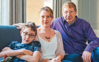 H Ντόμινικ Παπά με τον σύζυγό της και τον γιο της Τζάσπερ. Φωτογραφίες τους βρέθηκαν στην τεράστια βάση δεδομένων αναγνώρισης προσώπου MegaFace.