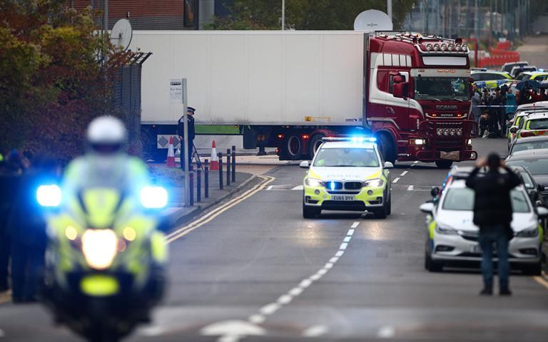 Αστυνομία του Εσσεξ: Από το Βέλγιο είχε ξεκινήσει το ταξίδι του «το φορτηγό της φρίκης» – Ερευνες σε σπίτια στη Βόρεια Ιρλανδία