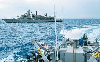 Η φρεγάτα «Νικηφόρος Φωκάς» στα κυπριακά ύδατα κατά τη διάρκεια της άσκησης «Ατσάλινο Βέλος». Η άσκηση διήρκεσε από τις 14 έως τις 17 Οκτωβρίου, με σενάρια που εκτυλίχθηκαν σε ξηρά, αέρα και θάλασσα.