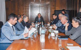 Λίγα λεπτά μετά την ολοκλήρωση της συνάντησης, που διήρκεσε λιγότερο από μία ώρα, ο Τάκης Θεοδωρικάκος δήλωσε ότι διαμορφώνεται «η κοινή βάση για νομοσχέδιο που θα διευκολύνει την ψήφο των Ελλήνων του εξωτερικού».