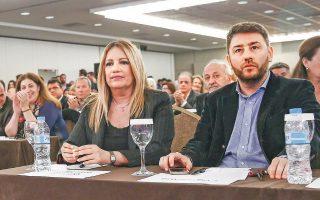 Βασικός εκφραστής των ενστάσεων κατά της ηγεσίας του ΚΙΝΑΛ είναι ο Ν. Ανδρουλάκης, ο οποίος σε χθεσινή παρέμβασή του (ΣΚΑΪ) απέφυγε να απαντήσει στο αν θα διεκδικήσει την ηγεσία του ΠΑΣΟΚ, τονίζοντας ότι «αν τεθεί ζήτημα, θα τοποθετηθεί δημοσίως» (φωτ. αρχείου).