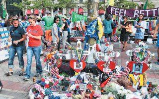Σε ηλικία 12 ετών, η Λίντσεϊ Αρούντα είχε καταφέρει να συγκεντρώσει το ποσό των 10.000 δολαρίων προκειμένου να τα προσφέρει στα θύματα των βομβιστικών επιθέσεων στον Μαραθώνιο της Βοστώνης το 2013.