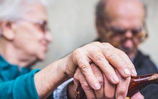 Δύσκολη υπόθεση το Αλτσχάιμερ, για ασθενή και φροντιστή. Δεν υπάρχει τρόπος να αποτραπεί η εκδήλωσή του, ενώ εμπλέκει όλο και περισσότερους ανθρώπους, λόγω μεταλλάξεων που αυξάνουν τον κίνδυνο εμφάνισής του.
