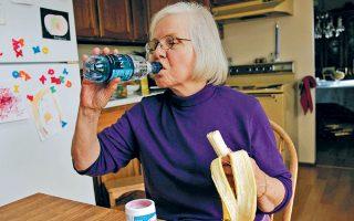 Σωστή διατροφή και αποχή από το κάπνισμα παίζουν σημαντικό ρόλο για την πρόληψη των καρδιακών νόσων.