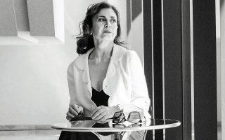 «Με ενδιαφέρουν πολύ τα φρέσκα κείμενα. Η νεοελληνική δημιουργία είναι εξαιρετική, έχουμε σημαντικούς συγγραφείς», σημειώνει η Κ. Διδασκάλου.