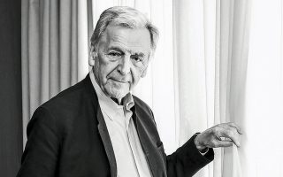 «Ηθελα να κάνω μια ταινία πάνω στην Ευρώπη που βρίσκεται σε μια κατάσταση καταστροφική σε σχέση με την ιδέα την οποία είχαμε στην αρχή», λέει ο Κ. Γαβράς.