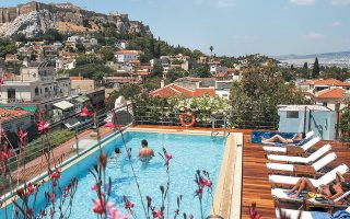 Πάνω από 250 ξενοδοχειακά και τουριστικά επενδυτικά έργα ανά την επικράτεια αναζητούν αυτή την περίοδο επενδυτές για να συνδράμουν οικονομικά την υλοποίησή τους.