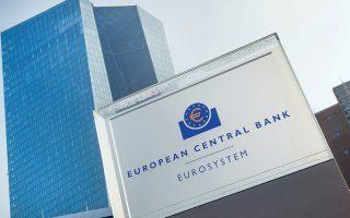 Τόσο ο SSM, όσο και οι νομικές υπηρεσίες της ΕΚΤ έχουν προειδοποιήσει την ελληνική πλευρά ότι ο χαρακτηρισμός ως μηδενικού ρίσκου των τίτλων που θα διατηρήσουν οι τράπεζες και θα έχουν την εγγύηση του κράτους δεν θα είναι εύκολη υπόθεση.