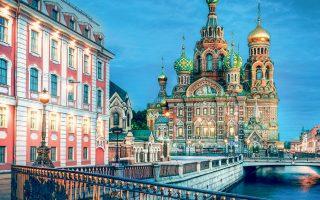 Ηδη από τις αρχές Οκτωβρίου έχει τεθεί σε εφαρμογή πρόγραμμα ηλεκτρονικής βίζας για τους τουρίστες που επισκέπτονται την Αγία Πετρούπολη.