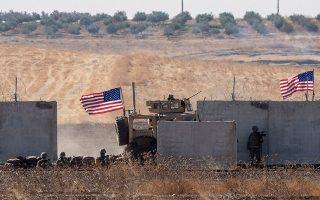 Στρατιώτες των Ηνωμένων Πολιτειών στη βόρεια Συρία. Πρόκειται για μόλις 1.000 από τους 170.000 Αμερικανούς στρατιώτες που είναι διεσπαρμένοι σε διάφορα σημεία του πλανήτη.