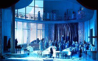 Την προσεχή Παρασκευή (11/10) με την όπερα «Υπνοβάτις» του Βιντσέντζο Μπελίνι, που παρουσιάζεται πάλι ύστερα από 40 χρόνια, η Εθνική Λυρική Σκηνή εγκαινιάζει τη νέα καλλιτεχνική σεζόν.