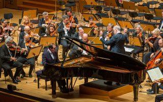Ο Γιώργος-Εμμανουήλ Λαζαρίδης απέδωσε το τρίτο Κοντσέρτο για πιάνο του Μπετόβεν με έμφαση στον ωραίο ήχο. MARIA GRAMMATIKOU