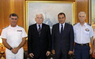 Ο αρχηγός ΓΕΝ, ο Πάνος Λασκαρίδης, ο υπ. Αμυνας και  ο αρχηγός ΓΕΕΘΑ.