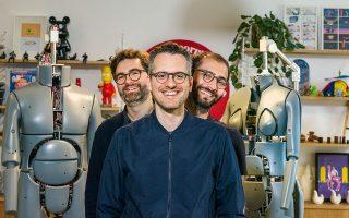 Οι συνιδρυτές της Superpersonal, Χρήστος Λεφάκης, Γιάννης Κωνσταντινίδης και Jamil Sawas, στο γραφείο τους στο Λονδίνο. Φωτογραφίες: Παναγής Χρυσοβέργης